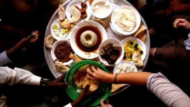 Photo of من بينها الأكل (بالشوكة والسكين) في بيت (نسابتها)… معارك (غير مُعلنة) تَخُوضها المرأة كل يوم!!