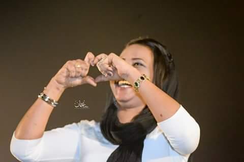الفنانة مكارم بشير تخاطب جمهور الجزيرة: تركت همي وسط صرخات تشجيعكم وحبكم