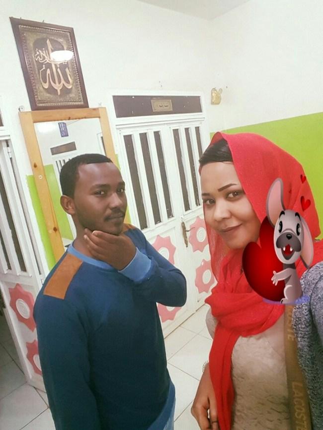 الفنانة مكارم بشير تصل ود مدني تحت أنظار شقيقها الأصغر