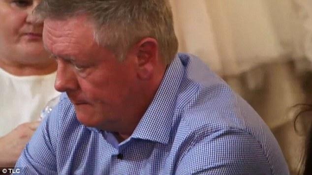رجل يكتشف سرا أخفته ابنته العروس لسنوات1
