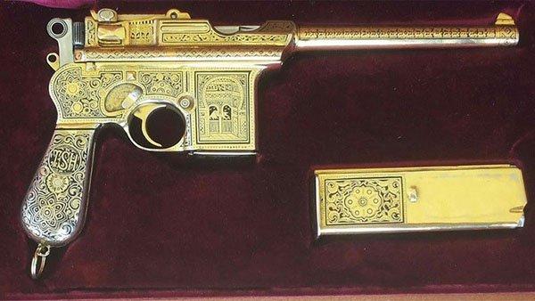 مسدس صدام حسين الذهبي