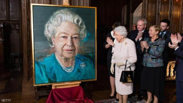 LONDON, ENGLAND - NOVEMBER 08:  (L-R) Queen Elizabeth II, Martin McGuinness, Deputy First Minister of Northern Ireland, and Frances Fitzgerald, Minister of Justice and Equality Gov of Ireland, attend a Co-Operation Ireland Reception at Crosby Hall on November 8, 2016 in London, England.  During the reception The Queen unveiled a portrait of herself by artist Colin Davidson  (Photo by Jeff Spicer - WPA Pool/Getty Images)