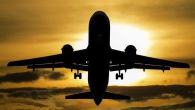 Photo of ركاب طائرة يتفاجئون بتساقط المياه فوق رؤوسهم خلال إحدى الرحلات… فيديو
