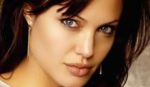 الخرطوم ترفض منح الفنانة العالمية انجلينا جولي تاشيرة دخول