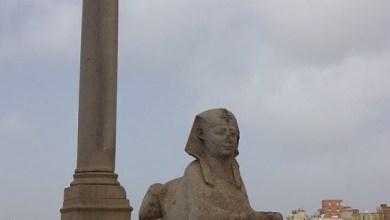 Photo of عمود السواري – آخر الاثار الباقية من معبد السيرابيوم أقامه بوستوموس ويرجع تاريخ هذا العمود إلى القرن الثالث الميلادى
