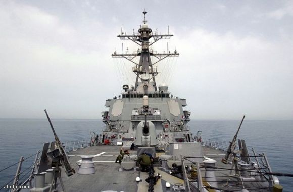 سفن حربية كبيرة ثقيلة مسلحة و هي عبارة عن سفن حربية صممت فى الاساس للاشتباك مع القوات المعادية في البحار المفتوحة و في المحيطات .Surface combatant