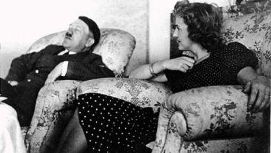 Photo of صورة نادرة لهتلر أثناء غفوته علي اَريكة