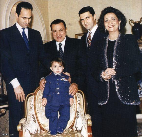محمد حسني مبارك - الرئيس المصري السابق وعائلته
