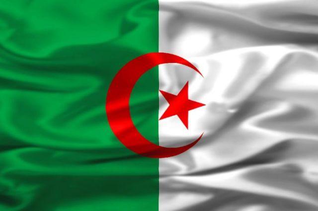 مدرجات كأس العالم تشهد إفطار الجزائريين بمبارة منتخبهم مع ألمانيا