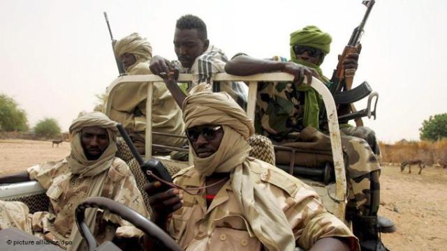 """مقتل وإصابة «5» جنود في هجوم لمسلحين على """"صليعة"""" بغرب دارفور"""