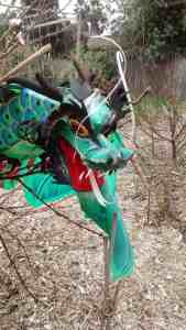 Crows think this Dragon Kite is a DEAD BIRD and won't come near it!
