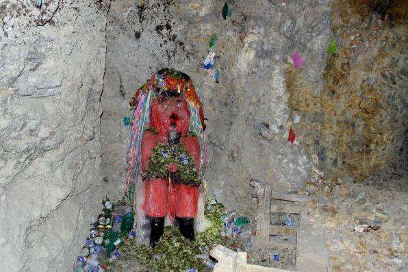 Die Teufel-Statue am Eingang in das Potosi Bergwerk