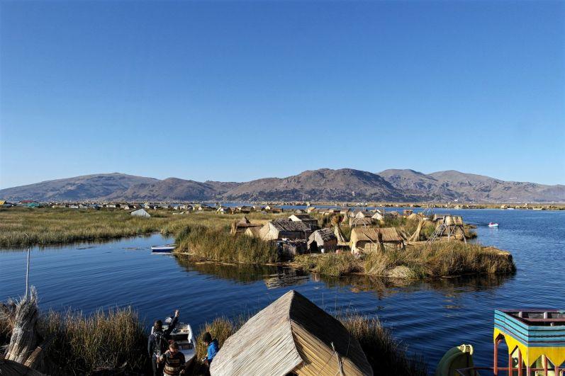 Die Schwimmenden Inseln in Puno am Titicacasee