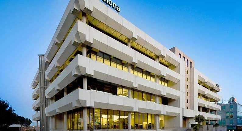 Espectaculares oficinas en frente a c.cial moraleja green