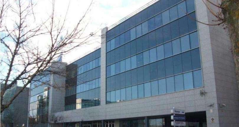 Exclusivo edificio para sede corporativa con disponibilidad inmediata.