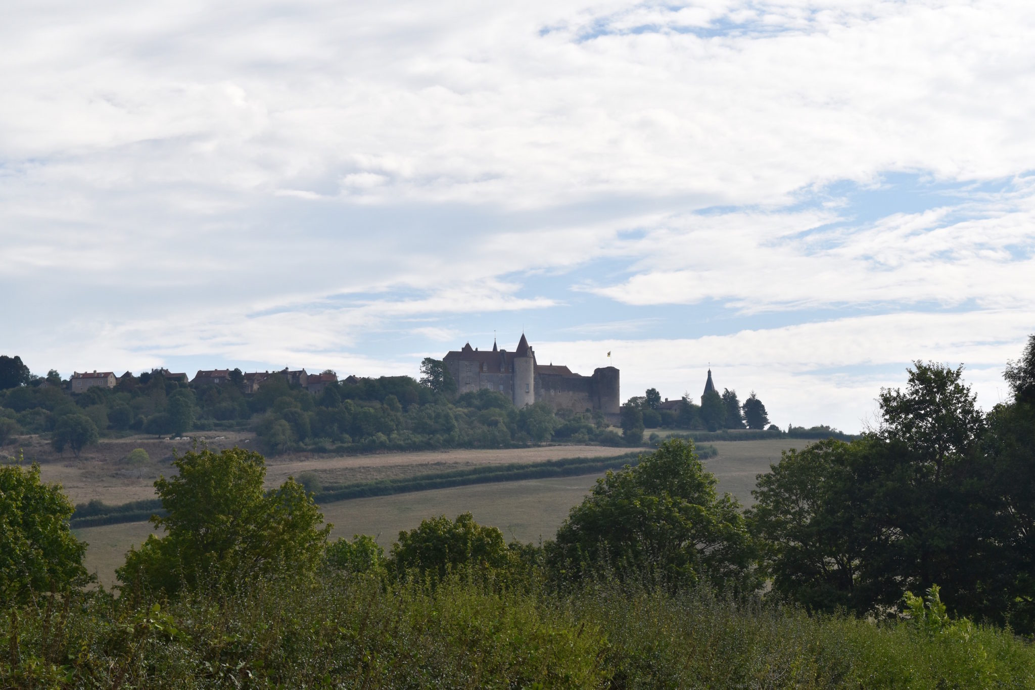 a-lovely-planet-chateauneuf-en-auxois