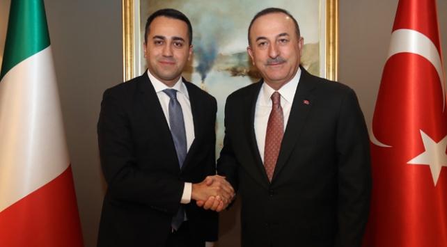 وزير الخارجية الجزائري ونظيره الإيطالي