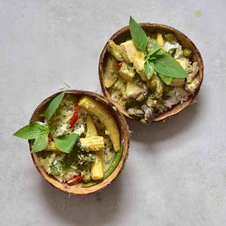creamy vegan thai green curry recipe, home-made curry paste and coconut milk