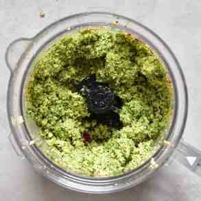 Green falafel paste, obtained by using fresh coriander