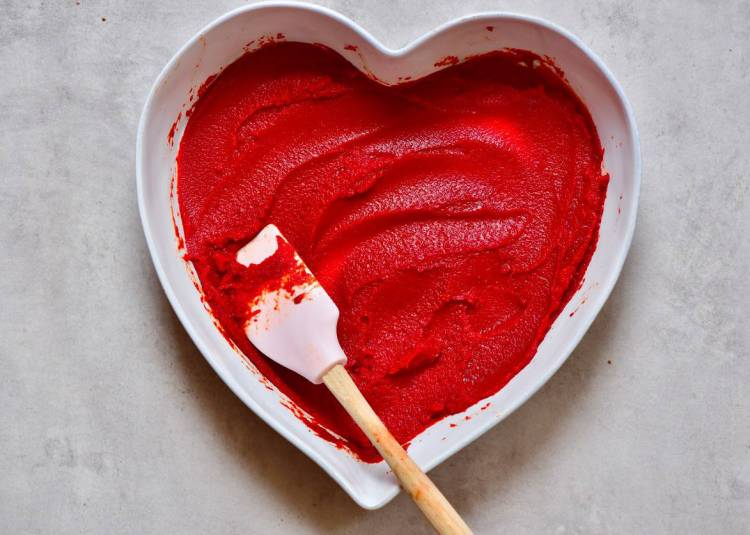 homemade tomato puree/paste made using fresh red tomatoes that can be preserved for months