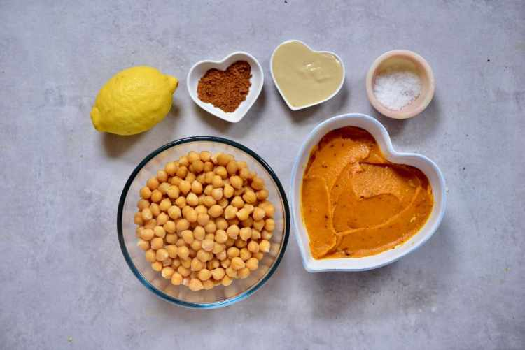 Delicious Vegan pumpkin spice hummus - a wonderful fall recipe that is a healthy vegan snack and a perfect lunchbox snack with fresh vegetables or crackers