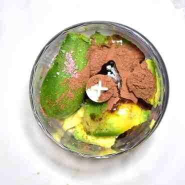making avocado chocolate mousse
