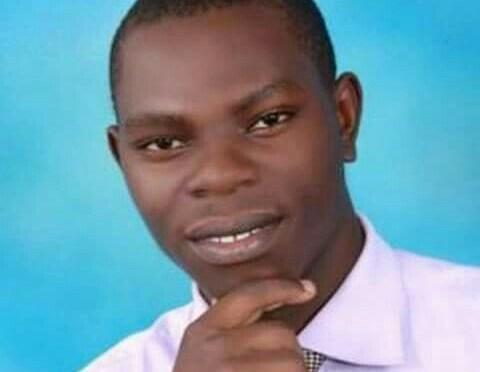 SIASA ZENYE MLENGO WA UCHUMI.  -Peter Sarungi