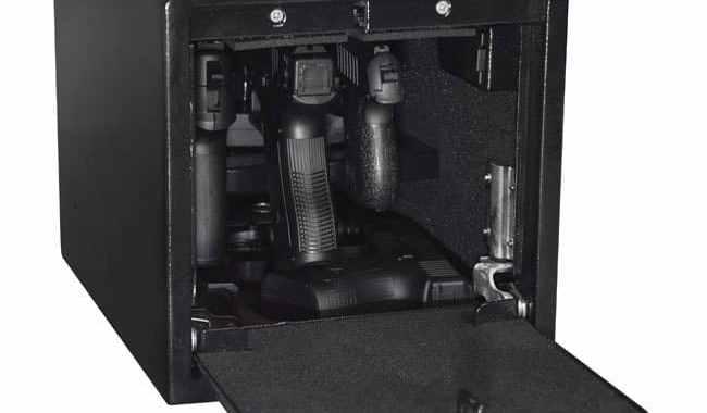 stealth-quick-access-handgun-safe-hanger-style