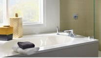 Delta Ara Roman Tub Faucet with Spray