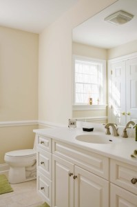 How to Customize the Bathroom in Your Rental Home