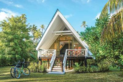 Alphonse Island - Beach Bungalow Accommodation