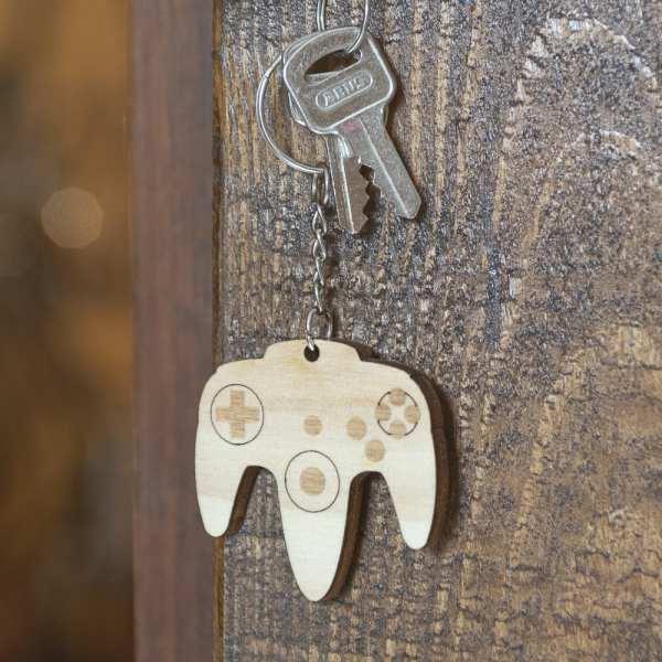 porte clé bois keychain retro gaming console n64 vintage