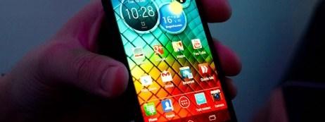 Motorola-Razr-i-1-of-6-462x307