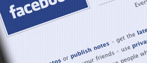 Facebook apologises for privacy uproar
