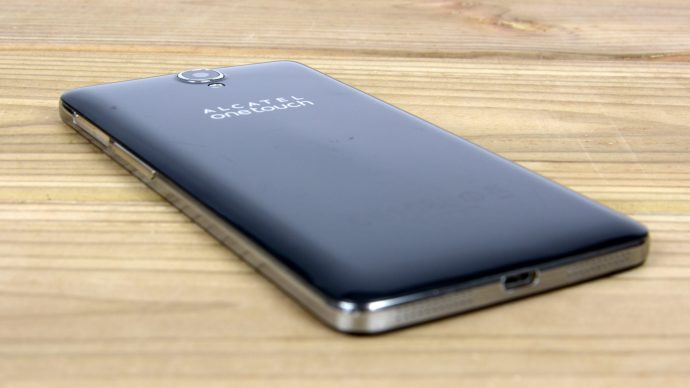 Alcatel Onetouch Idol X+ review - Back