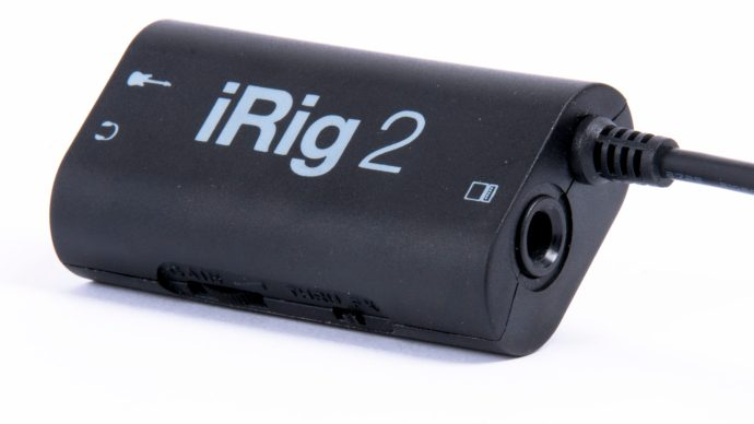 iRig 2 review - viewed from the right at an angle
