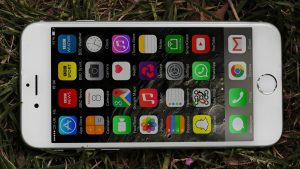 Apple iPhone 6 review: On its side