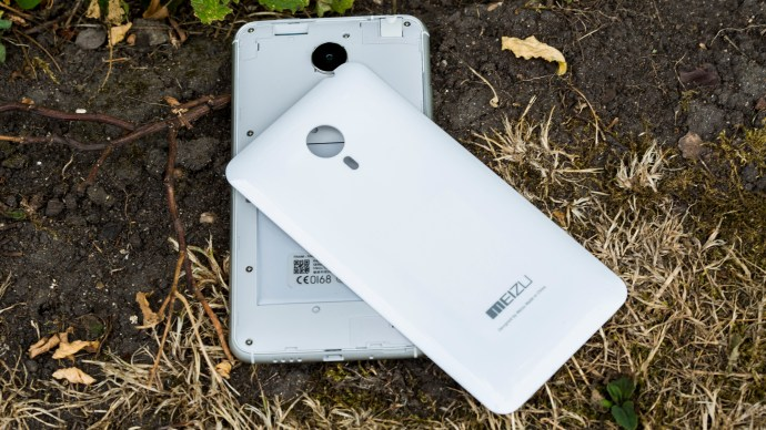 Meizu MX4 Ubuntu Edition review: The rear panel can be removed, but the battery cannot easily be replaced