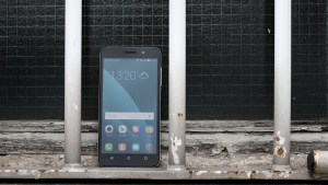 Honor 4x review: Pictured from the front