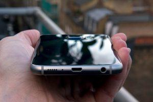Samsung Galaxy S6 vs LG G4 - Samsung Galaxy S6 Battery