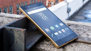 Sony Xperia Z5 Premium review: Angled view