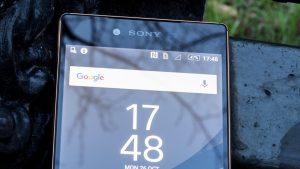 Sony Xperia Z5 Premium review: Top of screen at front