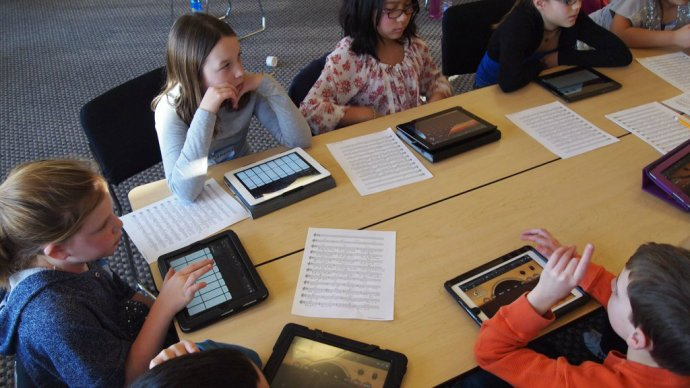 children_learning_from_tablets