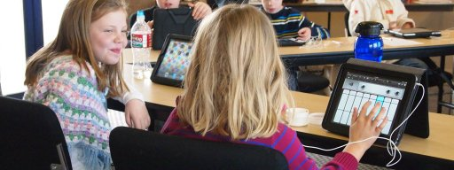 children_learning_from_technology