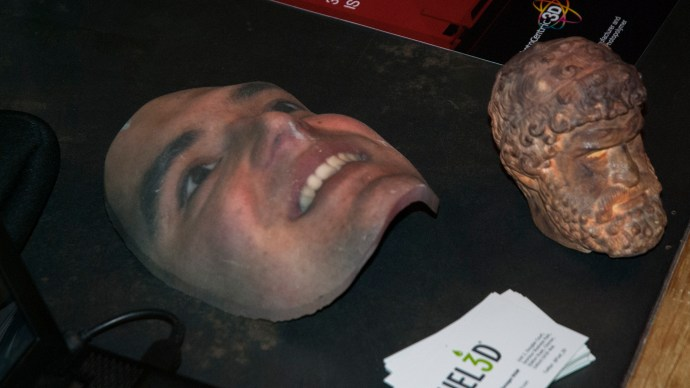 imaker_3d_printer_showcase_-_fuel_3d_-_printed_face_mask