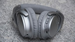 Bose QuietComfort 35 controls
