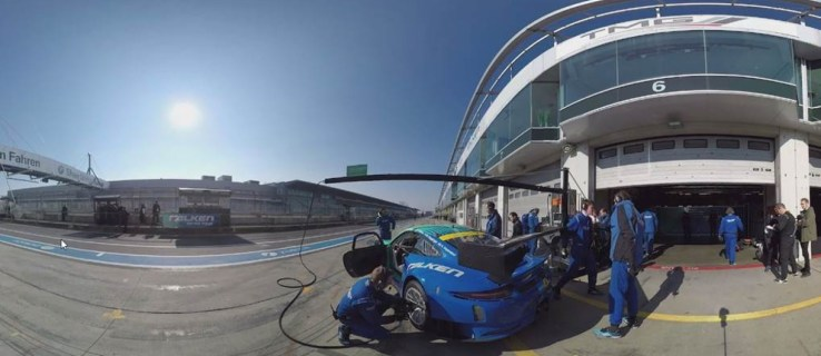Drive the legendary Nürburgring in a Porsche 911 with this amazing VR app