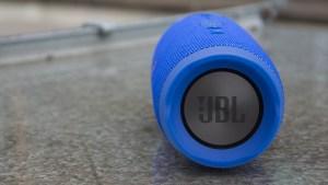 JBL Charge 3 passive bass radiator