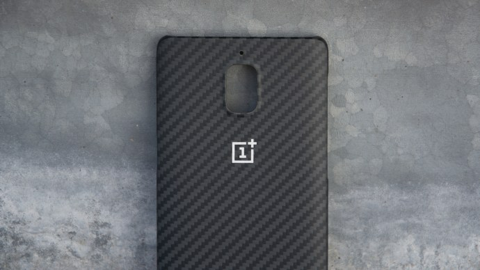 OnePlus 3 official case - carbon fibre