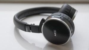 AKG N60 NC left earpiece